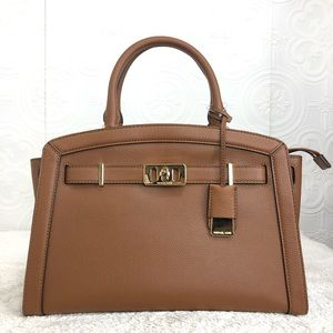 🌸OFFERS?🌸Michael Kors Leather Brown Satchel